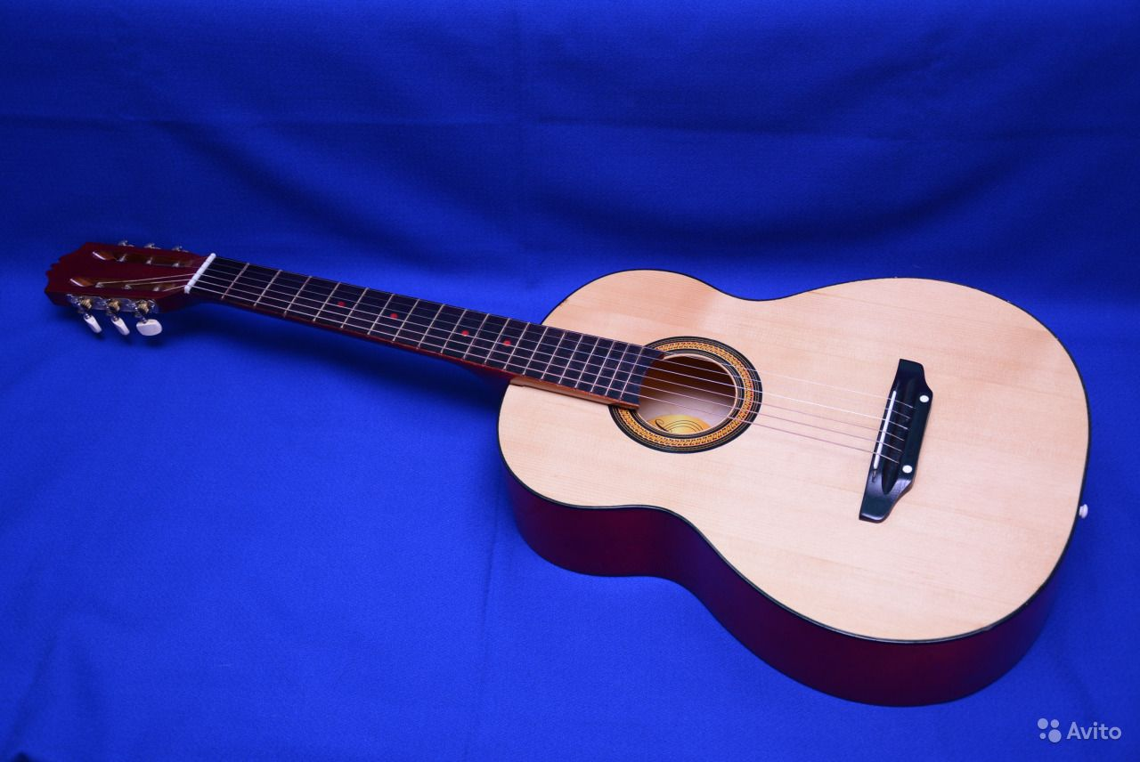 Гранд аудиториум. Акустическая гитара. Саратовская область,  Саратов