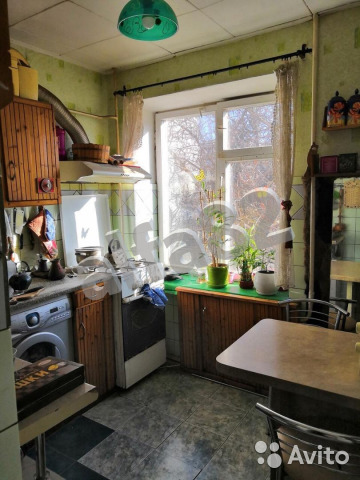 Продается трехкомнатная квартира за 3 750 000 рублей. Республика Крым,Симферополь,60 лет Октября улица,12.