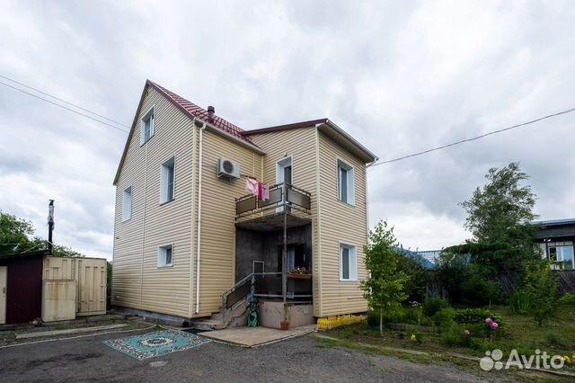 Дом 176 м² на участке 8 сот.