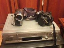 Видеомагнитофон и фотоаппарат