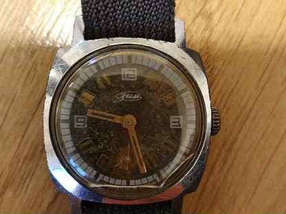 Старые уфе в продать часы на часы ломбард водном работы стадионе